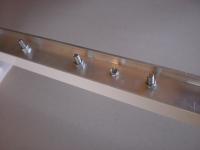 Táblalemez rögzítése aluminium felfüggesztésre