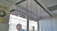 Egyedi tartószerkezetű hőfüggöny