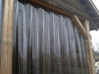 Lóistálló hőszigetelése PVc szalagfüggönnyel